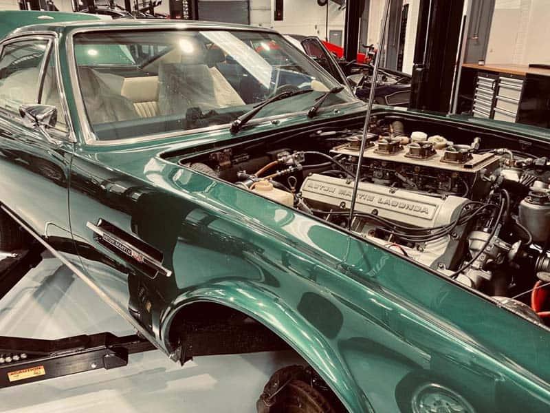 Aston-Martin-servicing-V8